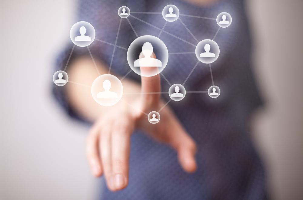 Freundschaft auf den ersten Klick: Knigge-Rat warnt vor naiver Gleichmacherei in sozialen Netzwerken