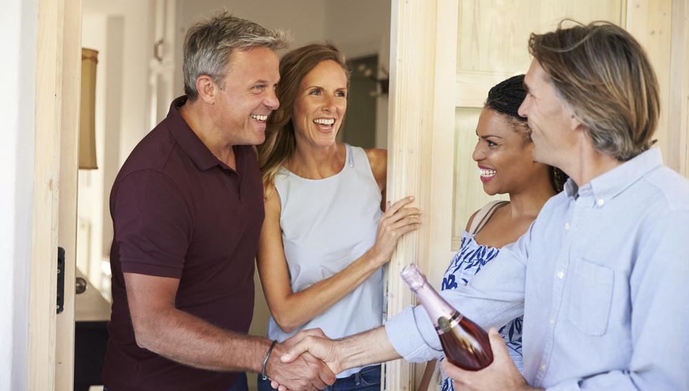 Wie Sie als Gast zum Gelingen einer Einladung beitragen